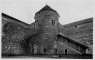1 vue  - Château des Allymes - La tour ronde (ouvre la visionneuse)