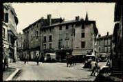 1 vue  - Rue Aristide Briand et Place de la Fontaine (ouvre la visionneuse)