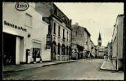1 vue  - La rue Alexandre Berard et la Poste (ouvre la visionneuse)