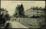 1 vue  - Le château et route de St-Germain (ouvre la visionneuse)