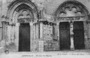 1 vue  - Portail de l'église (ouvre la visionneuse)