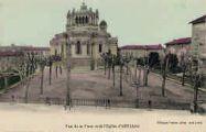 1 vue  - vue de la place et de l'Eglise (ouvre la visionneuse)