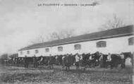 1 vue  - la Valbonne - cavalerie - le pansage (ouvre la visionneuse)