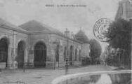 1 vue  - La Halle et la rue de Cordon (ouvre la visionneuse)