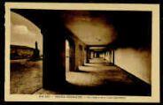1 vue  - Grand Séminaire - Le cloître et la cour intérieure (ouvre la visionneuse)