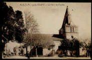 1 vue  - La place de l'église (ouvre la visionneuse)