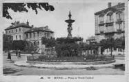 1 vue  - place et école Carriat (ouvre la visionneuse)