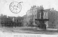1 vue  - place et institution Carriat (ouvre la visionneuse)