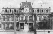 1 vue  - façade de la Préfecture (ouvre la visionneuse)