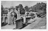 1 vue  - le parc et le monument aux Morts (ouvre la visionneuse)