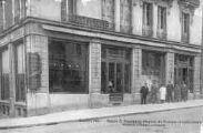 1 vue  - Maison C. Ecochard, Magasin de Musique et Instruments, Avenue Alsace-Lorraine (ouvre la visionneuse)