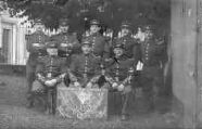 1 vue  - Honneur aux anciens - Courage aux 21e RI bleus - Aux Enfants de l'Ain - Classe 1909-1910 (ouvre la visionneuse)