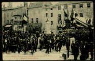 1 vue  - Inauguration du Monument Lalande, le 18 avril 1909, départ du cortège officiel (ouvre la visionneuse)
