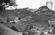 1 vue  - l'Eglise et le Mont Carmier (ouvre la visionneuse)
