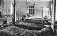1 vue  - Préventorium de Chanay - Le dortoir Jaune (ouvre la visionneuse)