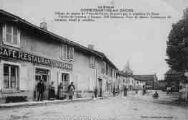 1 vue  - La Place Village du canton de Pont-de-Veyle, desservi par le tramàay de Saint-Trivier-de-Courte à Jassans. 790 habitants. Pays de plaine. Commerce de céréales, bétail et volailles. (ouvre la visionneuse)