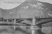 1 vue  - le pont de la Loi - le Grand Colombier (1534m) (ouvre la visionneuse)