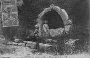 1 vue  - La Fontaine du Château des Sarrazins à Châtel (ouvre la visionneuse)