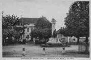 1 vue  - monument aux Morts - la place (ouvre la visionneuse)