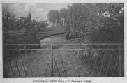 1 vue  - un pont sur la Divonne (ouvre la visionneuse)