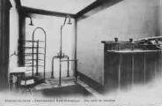 1 vue  - établissement hydrothérapique - une salle de douches (ouvre la visionneuse)