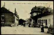 1 vue  - Intérieur de la ville - La place des Bains (ouvre la visionneuse)