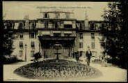 1 vue  - Terrasse du Grand Hôtel et jet d'eau (ouvre la visionneuse)