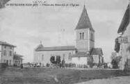 1 vue  - place du marché et l'église (ouvre la visionneuse)