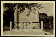 1 vue  - Ce monument, création de M. P. Carron, a été érigé à Villeneuve, commune de Domsure (Ain) à la mémoire de 12 patriotes du Jura, fusillés le 18 juin 1944, par les barbares nazis. Puisse-t-il rappeler aux générations futures qu'ils sont morts pour que la France reste libre. (ouvre la visionneuse)