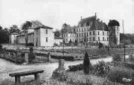 1 vue  - château de Fléchères (ouvre la visionneuse)