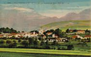 1 vue  - vue générale et le col de la Faucille (alt. 1323m) (ouvre la visionneuse)