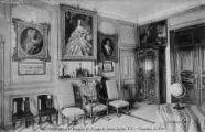 1 vue  - hospice de Tougin (château Louis XV) - chambre du Roi (ouvre la visionneuse)