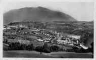 1 vue  - Génissiat-vue générale, le grand barrage sur le Rhône et le Jura (ouvre la visionneuse)