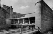 1 vue  - Génissiat-transformateur sous auvent de l'usine (ouvre la visionneuse)