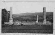 1 vue  - les colonnes du temple Romain dans le fond Tignat et la côte de Cessiat (ouvre la visionneuse)