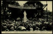 1 vue  - Inauguration du Monument élevé à la mémoire de ses enfants morts pour la France (ouvre la visionneuse)