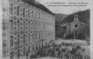 1 vue  - bâtiment du ménage et entrée de la chapelle de l'usine Bonnet (ouvre la visionneuse)