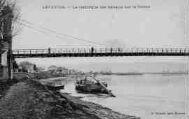 1 vue  - La remorque des bâteaux sur le Rhône (ouvre la visionneuse)