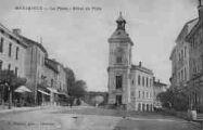 1 vue  - la place - l'Hôtel de Ville (ouvre la visionneuse)