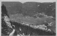 1 vue  - vallée de Mijoux et vieille route de la Faucille (ouvre la visionneuse)