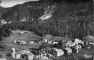 1 vue  - vallée de la Valserine- station été-hiver au pied du col de la Faucille - vue générale (ouvre la visionneuse)
