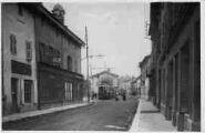 1 vue  - Grande-Rue et place de la Mairie (ouvre la visionneuse)