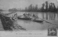 1 vue  - un bac sur le Rhône (ouvre la visionneuse)
