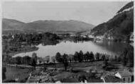 1 vue  - les bords du lac (ouvre la visionneuse)