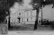 1 vue  - mairie et école des garçons (ouvre la visionneuse)