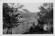 1 vue  - les bords du lac et Nantua (ouvre la visionneuse)