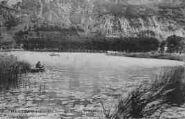 1 vue  - un coin du lac et la promenade (ouvre la visionneuse)