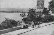 1 vue  - bords du lac (ouvre la visionneuse)