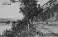 1 vue  - route de la Cluse et les bords du lac (ouvre la visionneuse)