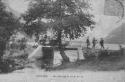 1 vue  - Un coin sur les bords du lac (ouvre la visionneuse)